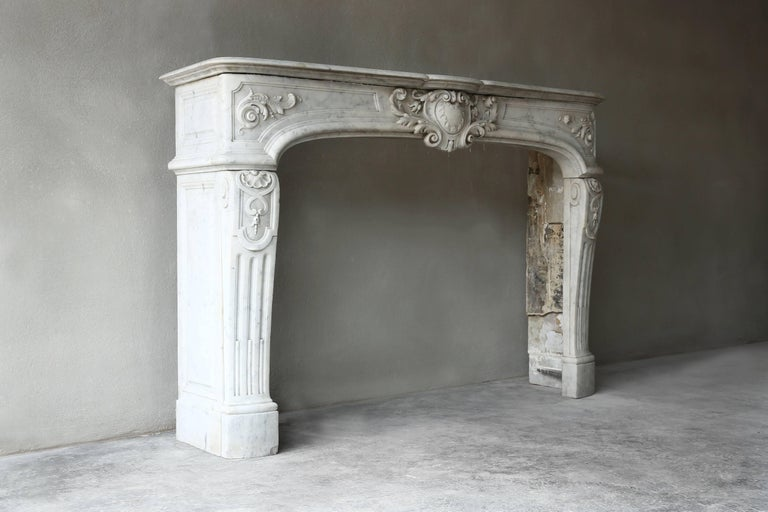 Rare Antique Marble Fireplace of Carrara Marble  For Sale 4