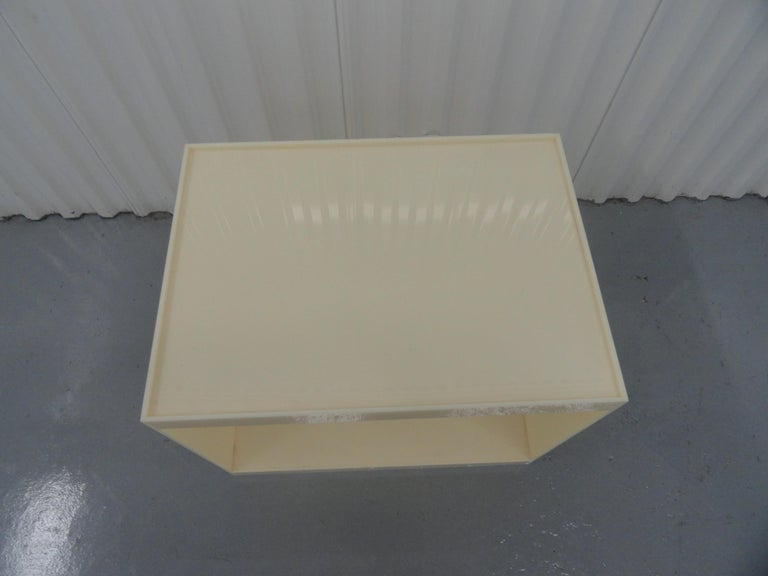 Custom Acrylic Side Table In Excellent Condition For Sale In West Palm Beach, FL