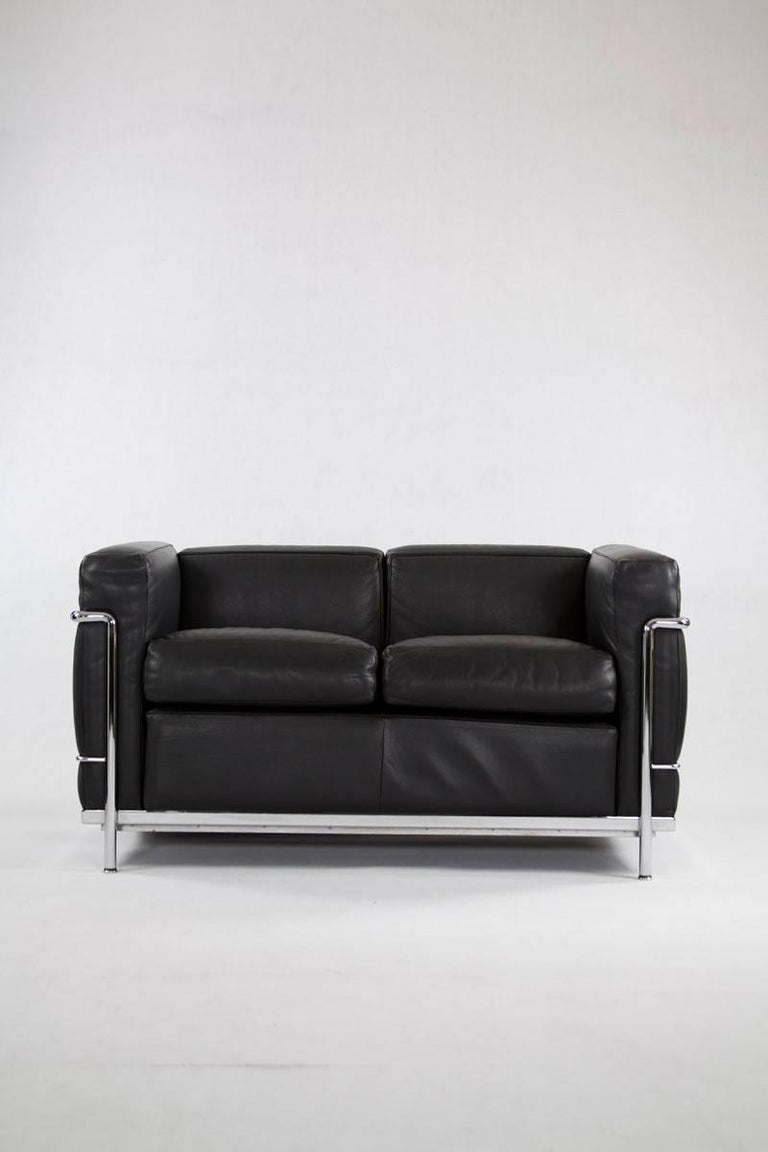 cassina lc2 two seat in chrome and black leather designed. Black Bedroom Furniture Sets. Home Design Ideas