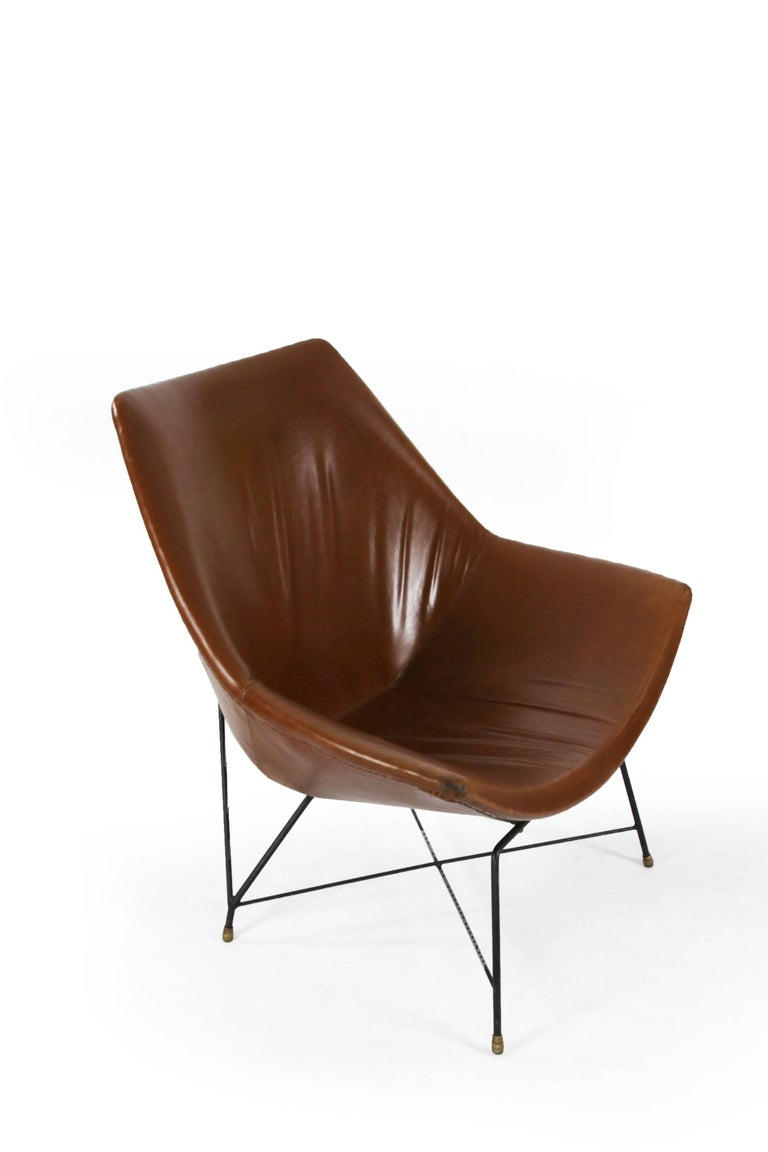 Italian Brown Leather Kosmos Chair Design by Augusto Bozzi for Saporiti, 1954 In Fair Condition For Sale In Wolfurt, AT