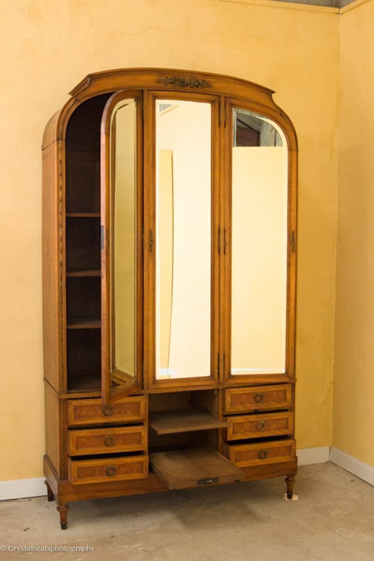 art deco armoire dressing table compendium and bed for sale at 1stdibs. Black Bedroom Furniture Sets. Home Design Ideas
