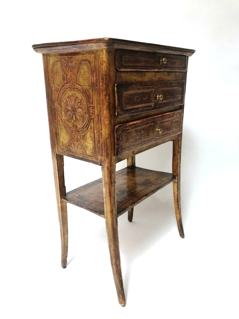 18th century venetian petite commode for sale at 1stdibs. Black Bedroom Furniture Sets. Home Design Ideas
