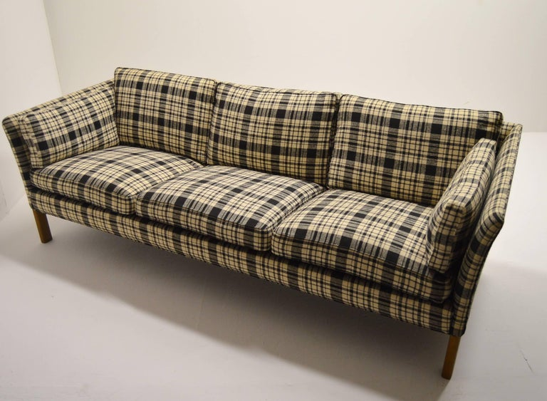 Sofa Cromwell designed by Arne Norell and produced by Norell Mobler.
