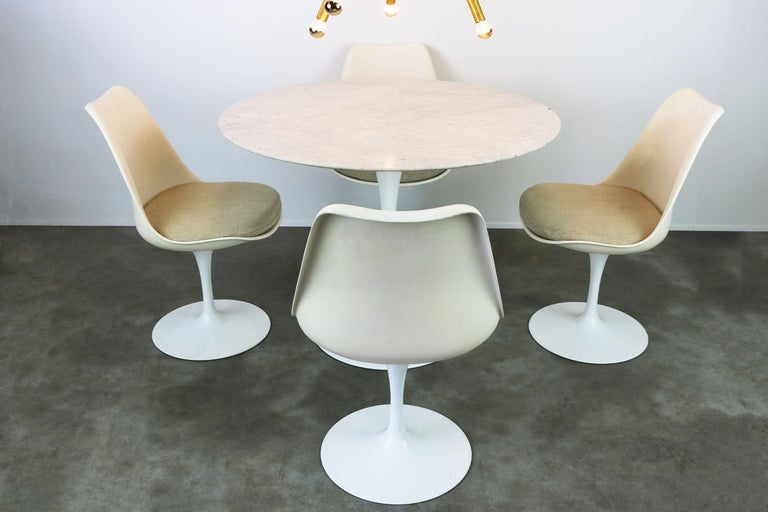 Original 1960s Knoll Tulip Dining Set Marble Eero Saarinen Knoll International For Sale 3