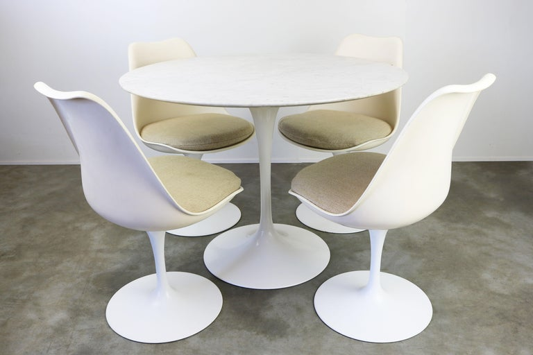 Mid-Century Modern Original 1960s Knoll Tulip Dining Set Marble Eero Saarinen Knoll International For Sale