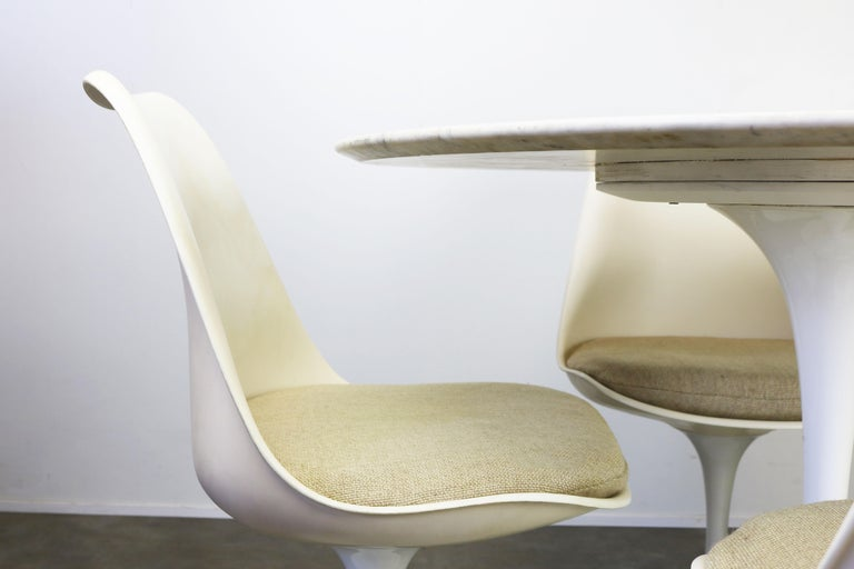 Metal Original 1960s Knoll Tulip Dining Set Marble Eero Saarinen Knoll International For Sale