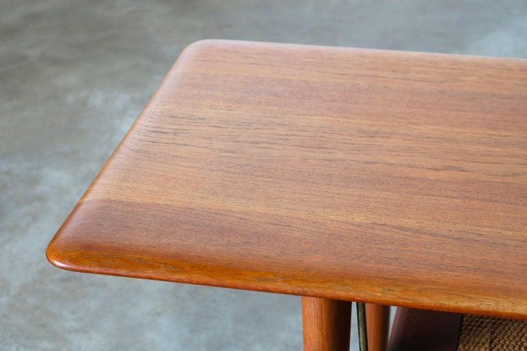 Peter Hvidt & Orla Mølgaard Nielsen Coffee Table FD 516 Teak France & Son 1956 In Good Condition For Sale In Ijzendijke, NL