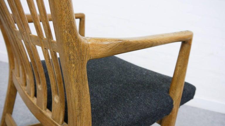 Rocking Chair ML-33 Hans J. Wegner/Mikael Laursen, 1940, First Edition in Oak  For Sale 1