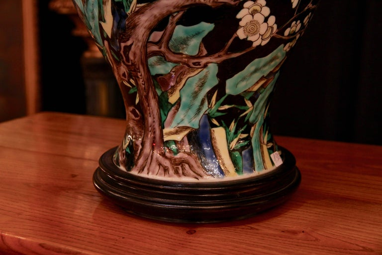Chinese Vase Mounted in Lamp, Gilded Bronze, 19th Century Chinese Artwork For Sale 1