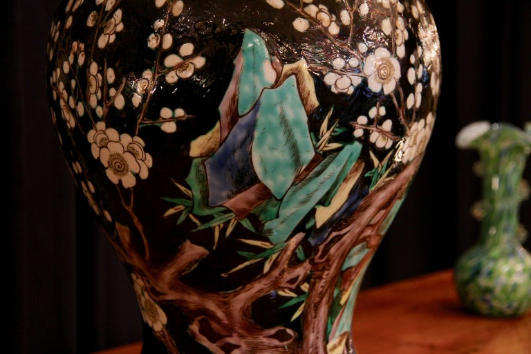 Chinese Vase Mounted in Lamp, Gilded Bronze, 19th Century Chinese Artwork For Sale 3