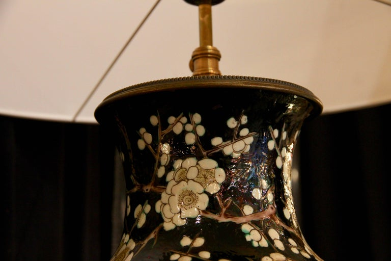 Chinese Vase Mounted in Lamp, Gilded Bronze, 19th Century Chinese Artwork For Sale 5