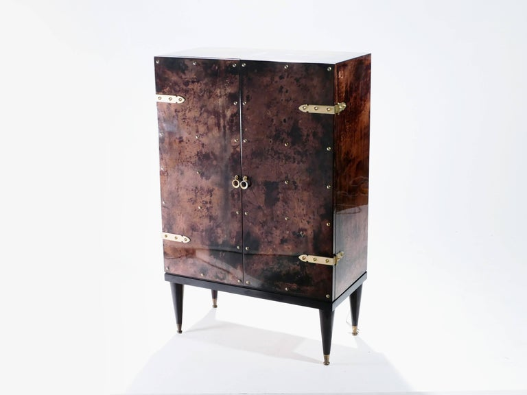 Bar Cabinet in Goatskin Parchment by Aldo Tura, 1960s In Good Condition For Sale In Paris, FR