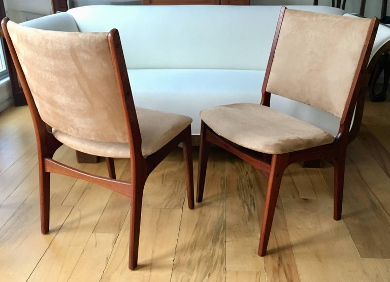 Mid-Century Modern Set of Five Danish Modern Rosewood Chairs For Sale
