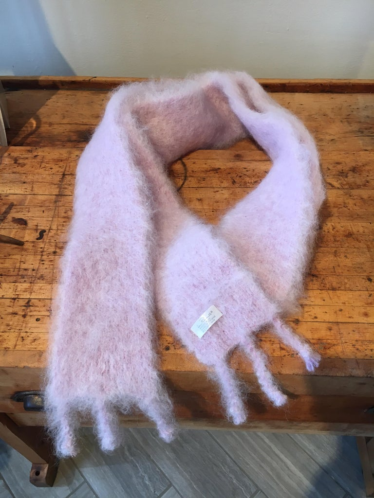 Chic handwoven mohair scarf by Lena Rewell of Finland. This model is called the 'Fox' scarf, as it calls to mind the glamorous fox scarves of the early 20th century (please note there is no fur, this is a mohair scarf). The unusually narrow and long