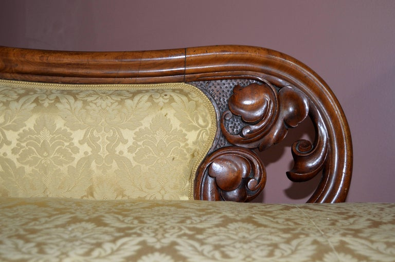 Carved Danish Biedermeier Chaise Longue In Good Condition For Sale In Cold Spring, NY
