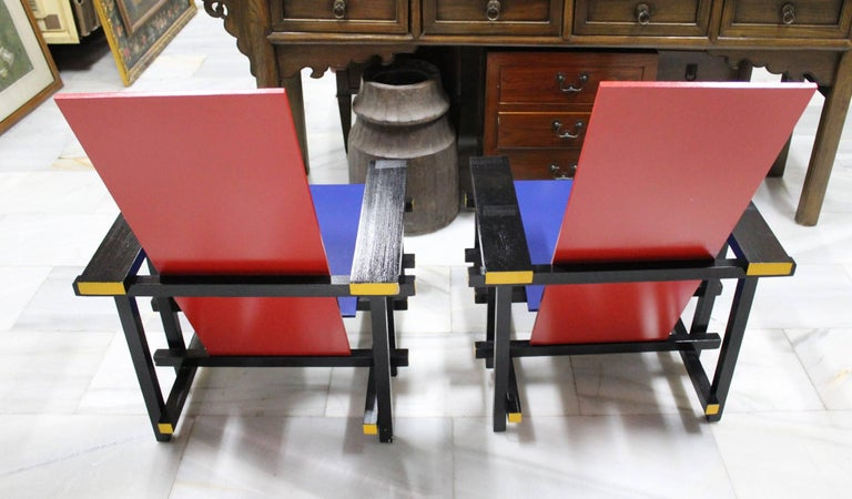 Pair of Gerrit Thomas Rietveld Red Blue Chair Replicas In Good Condition For Sale In Malaga, ES