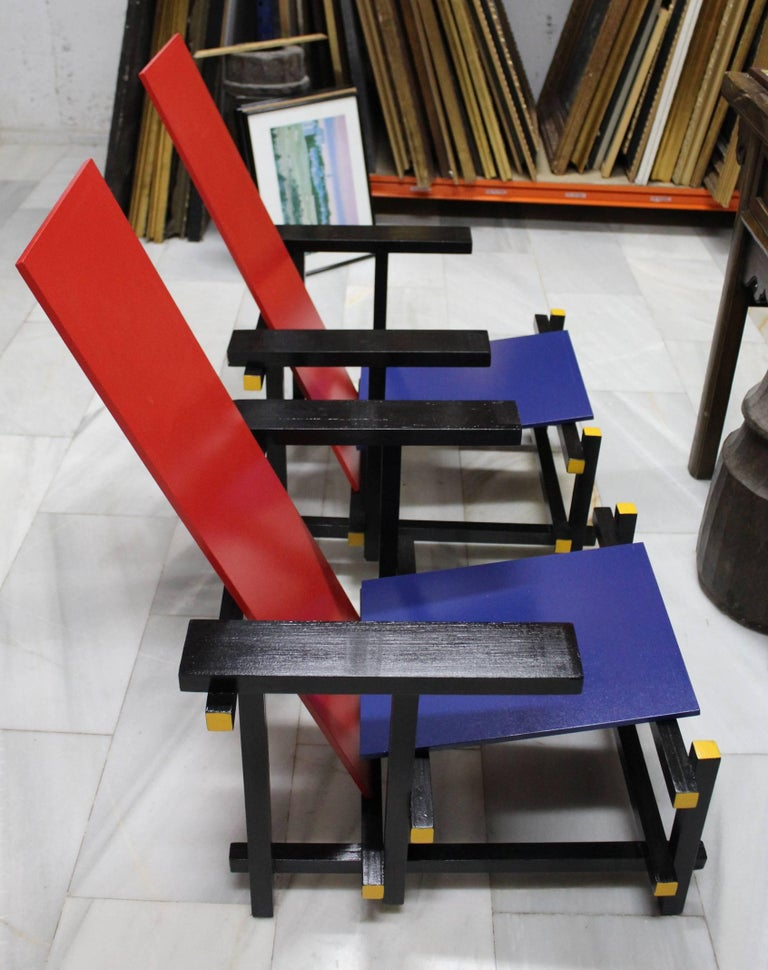 Contemporary Pair of Gerrit Thomas Rietveld Red Blue Chair Replicas For Sale