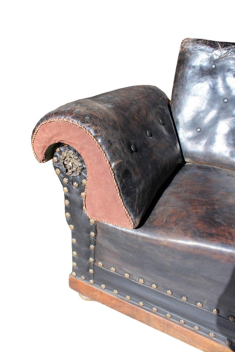 English Late 19th Century Englis Black Leather Sofa For Sale