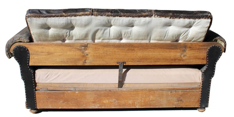 Late 19th Century Englis Black Leather Sofa For Sale 3