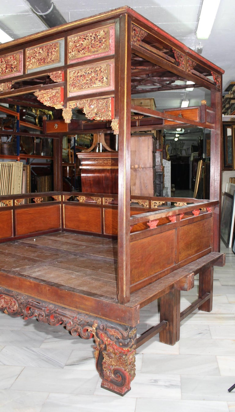 19th Century Chinese Canopy Wedding Bed In Good Condition For Sale In Malaga, ES