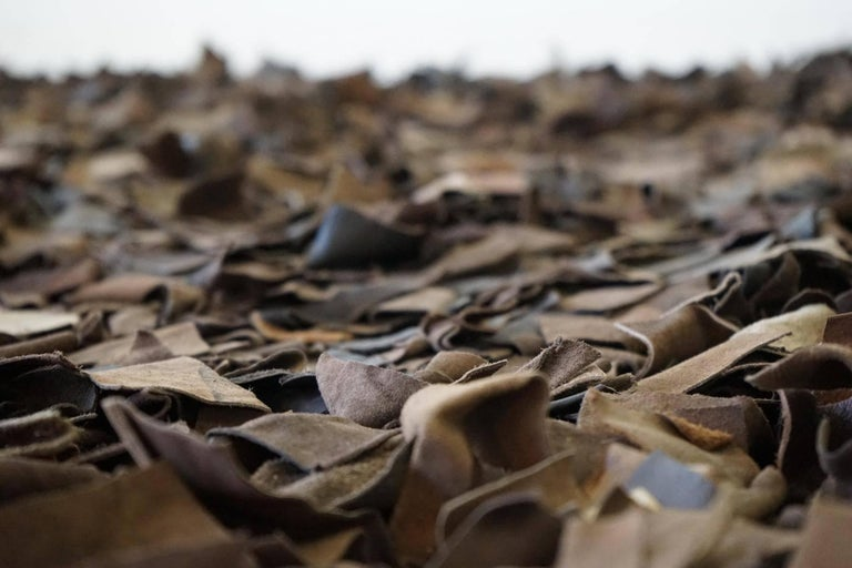 Hand-Loomed Leather Carpet by Jack Lenor Larsen for Harry Flitterman In Good Condition For Sale In Greven, DE