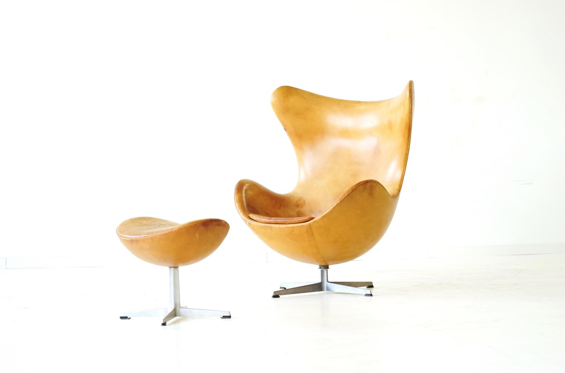 Arne Jacobsen Egg Lounge Chair And Ottoman, 1960s Fritz Hansen Leather For  Sale At 1stdibs