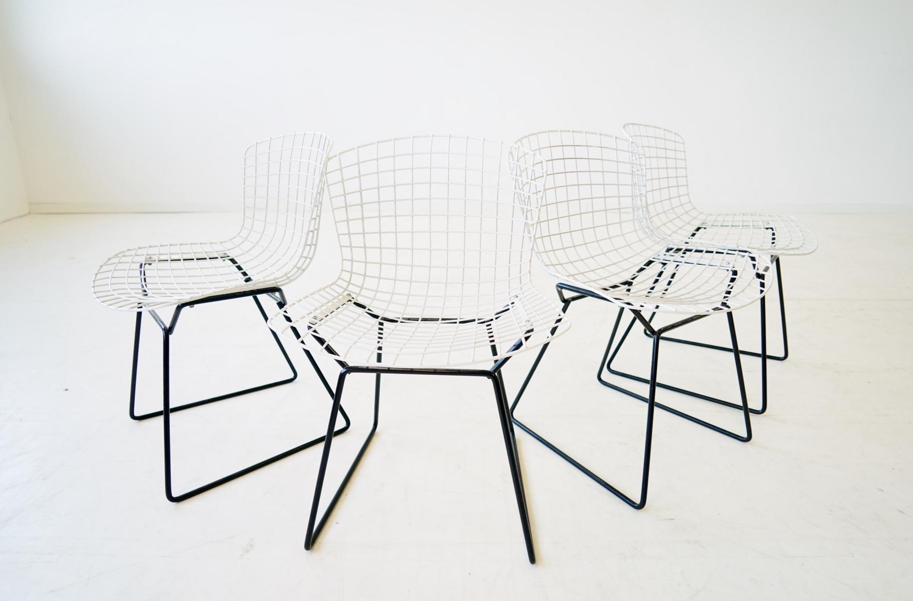 Set Of 4 Diamond Wire Side Chair By Harry Bertoia
