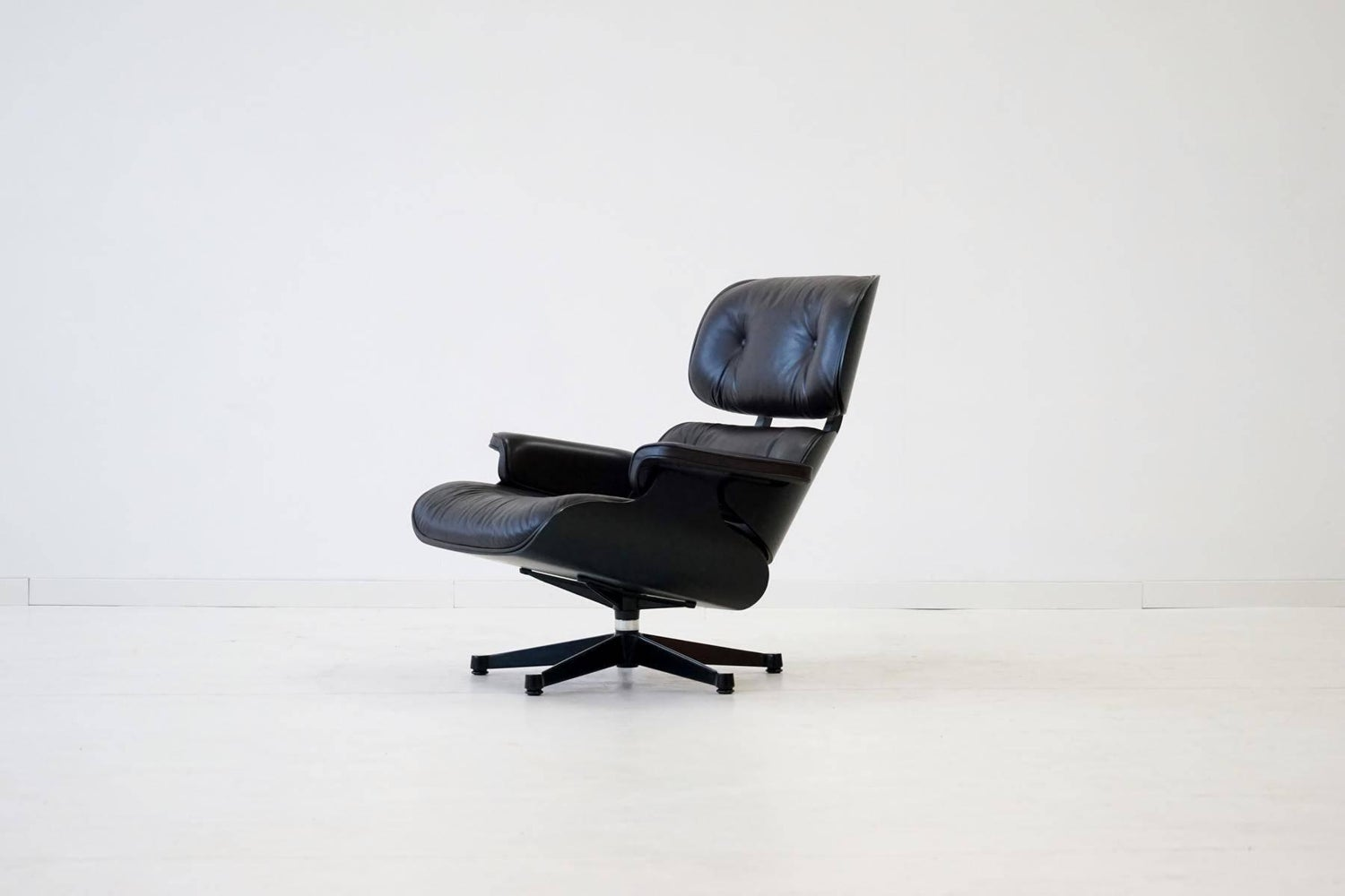 Charles Eames Sessel original lounge chair by charles eames vitra from exhibition for