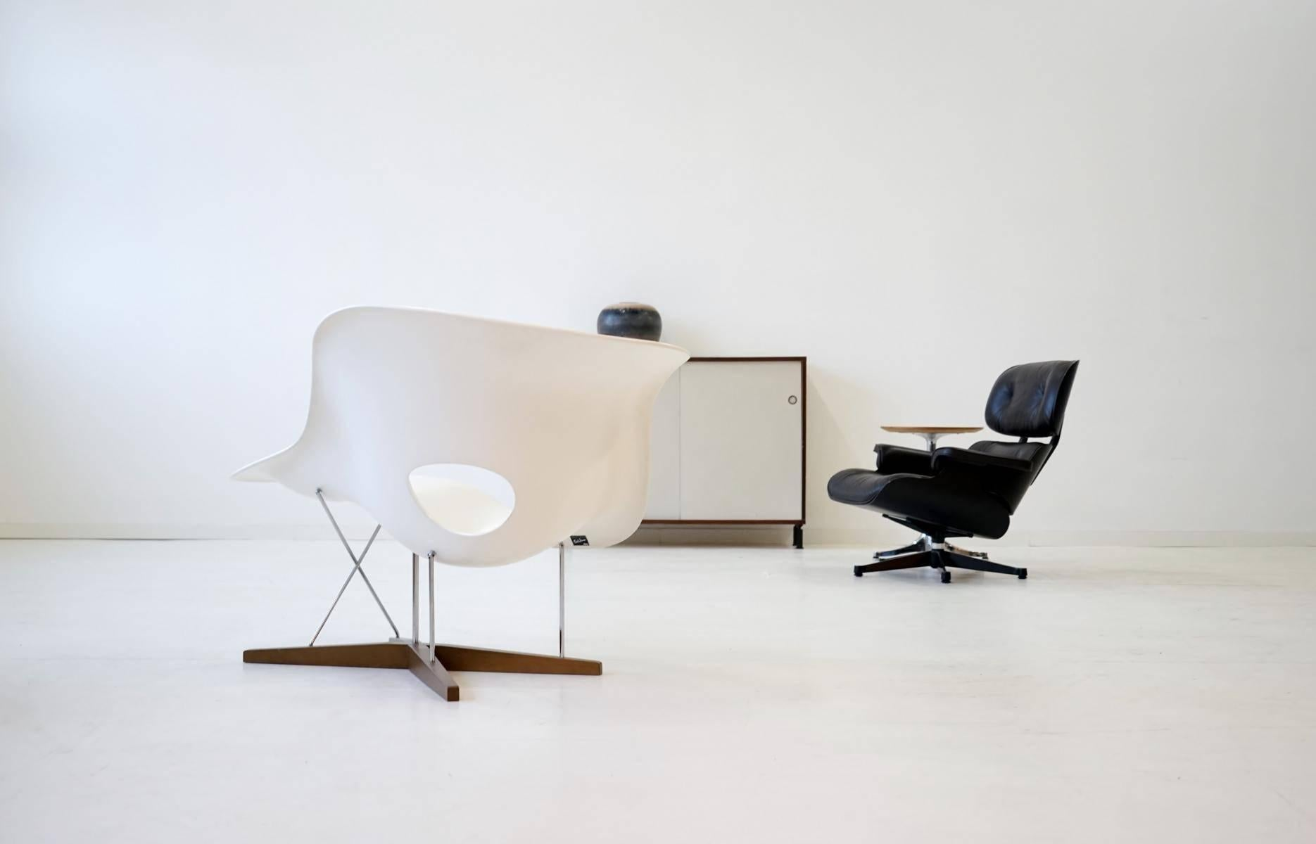 La Chaise By Eames For Vitra Chaise Lounge Recliner Chair Armchair At  1stdibs