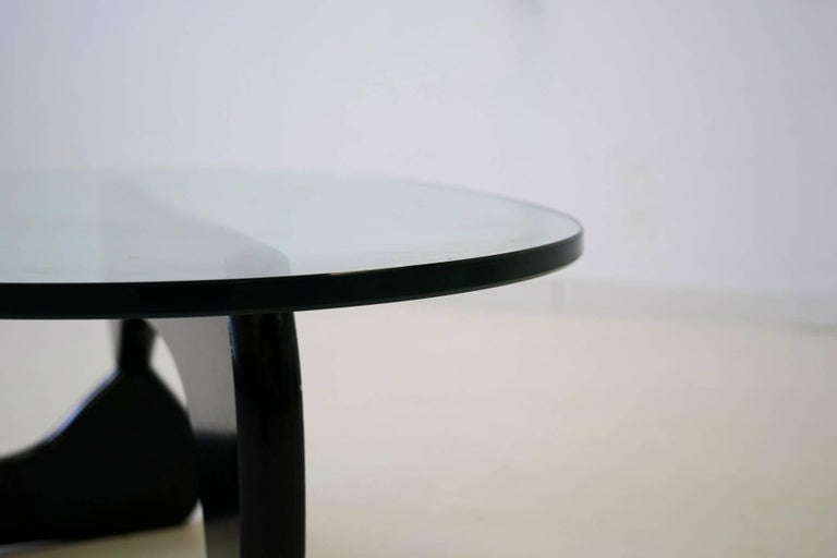 Noguchi Herman Miller Sofa Couch Side Coffee Glass Table, 1960s In Good Condition For Sale In Greven, DE