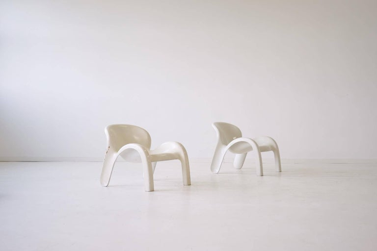 Set of two lounge chairs GN2 by Peter Ghyczy for Reuter´s Form + Life Collection, 1970s The chairs are made of one piece and consist of moulded fiberglass. The chairs are suitable for outdoor use as well. Label under the chairs. Original condition.