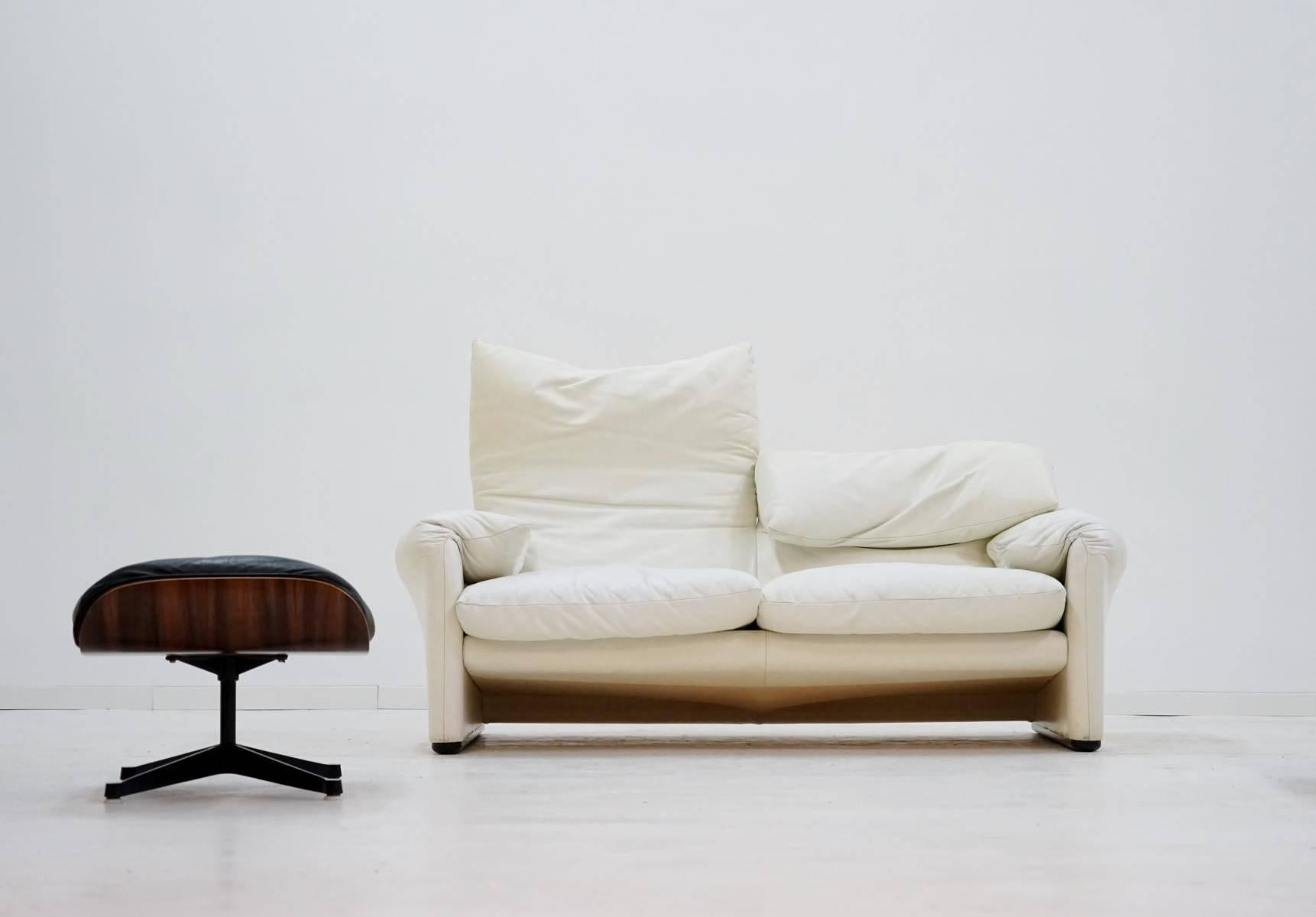 Two Seat Maralunga Cassina Vico Magestretti Design Function Canape
