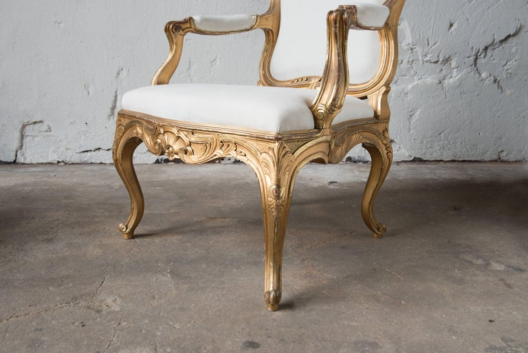 Hand-Carved Pair of Swedish 19th Century Gilded Armchairs For Sale