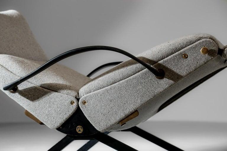 Osvaldo Borsani Lounge Chair Model P40 for Tecno, Italy For Sale 4