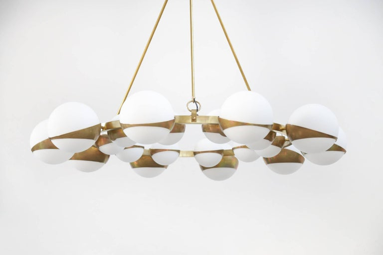 Style of Stilnovo Italian Chandelier Opalines Brass Large Sculptural Modernist In Excellent Condition For Sale In Lyon, FR