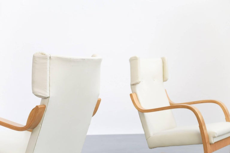 Finnish Pair of Lounge Chairs Model 401 by Alvar Aalto, 1935 Finland Design For Sale