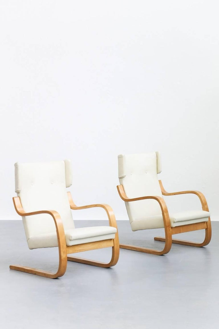 Pair of Lounge Chairs Model 401 by Alvar Aalto, 1935 Finland Design For Sale 2