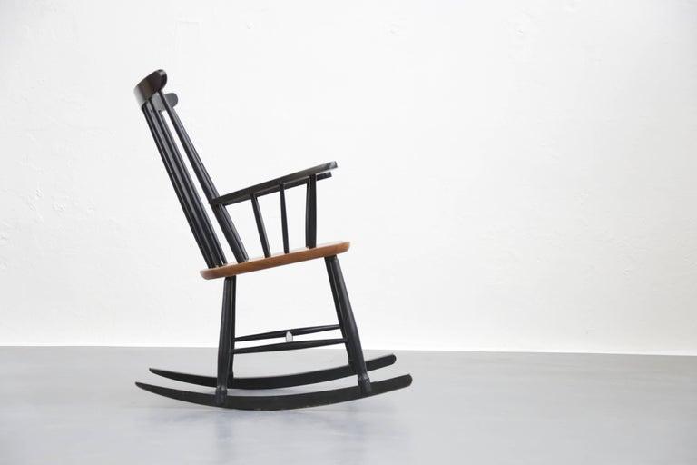 Scandinavian Modern Rocking Chair Tapiovaara Model Fanett Scandinavian, 1960s For Sale