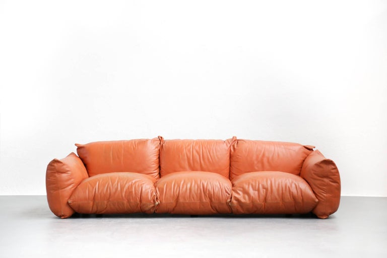 Graphic orange sofa designed by Mario Marenco for Arflex in 1970s.