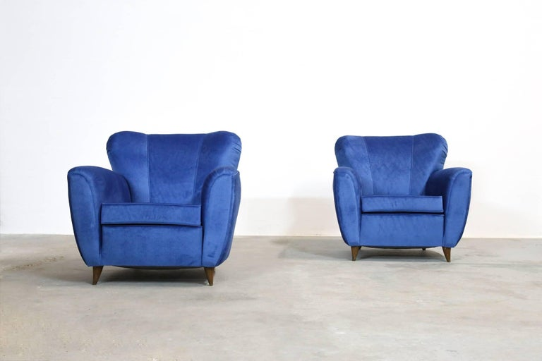 Italian Pair of Armchairs in the Style of Gio Ponti, 1960s For Sale