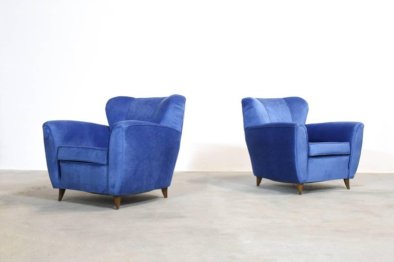 Pair of Armchairs in the Style of Gio Ponti, 1960s For Sale 1
