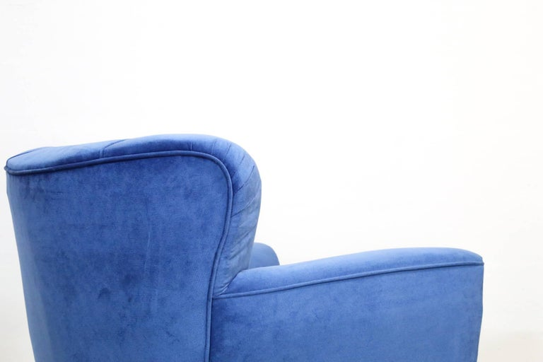 Velvet Pair of Armchairs in the Style of Gio Ponti, 1960s For Sale