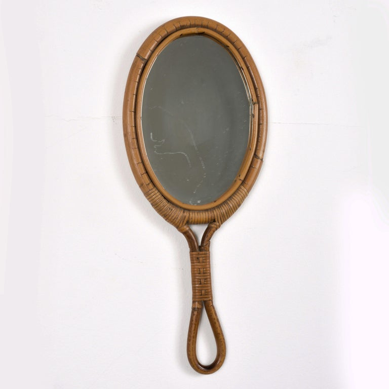 Oval Mirror, Vintage Rattan Hand Mirror, Franco Albini style, Italy, 1960s In Good Condition For Sale In Roma, IT