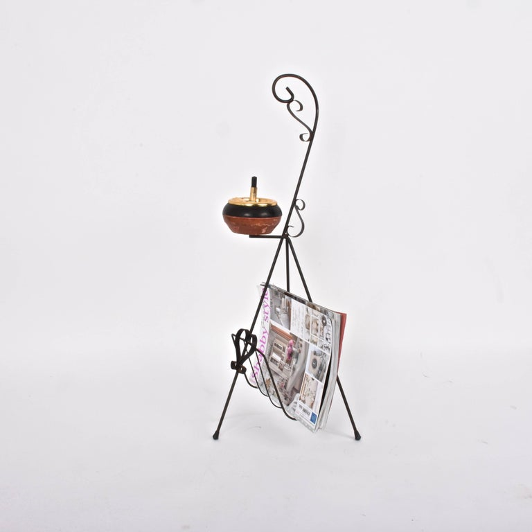Italian Magazine Rack in Brass with Ashtray, Italy, 1950s, Mid-Century Modern For Sale