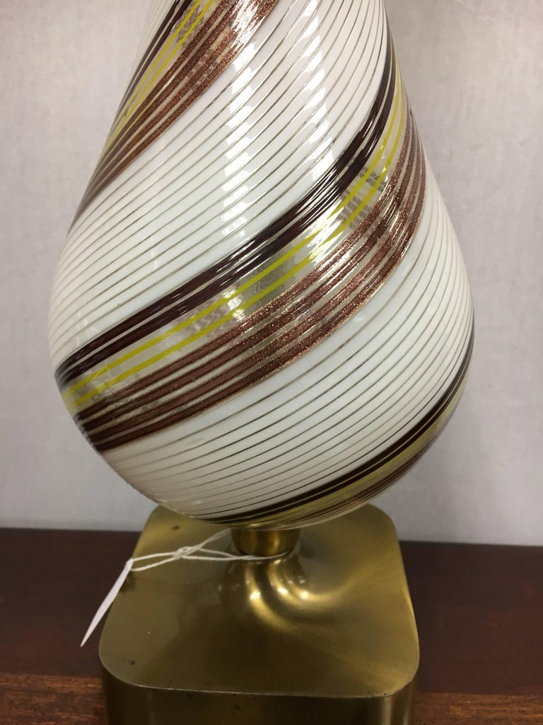 Midcentury Venetian Glass Murano Table Lamp In Excellent Condition For Sale In West Hartford, CT