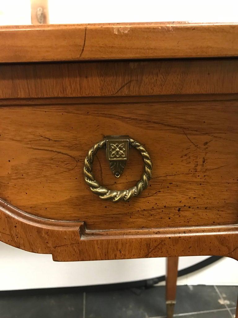 Henredon vanity dressing table desk with hidden mirror for