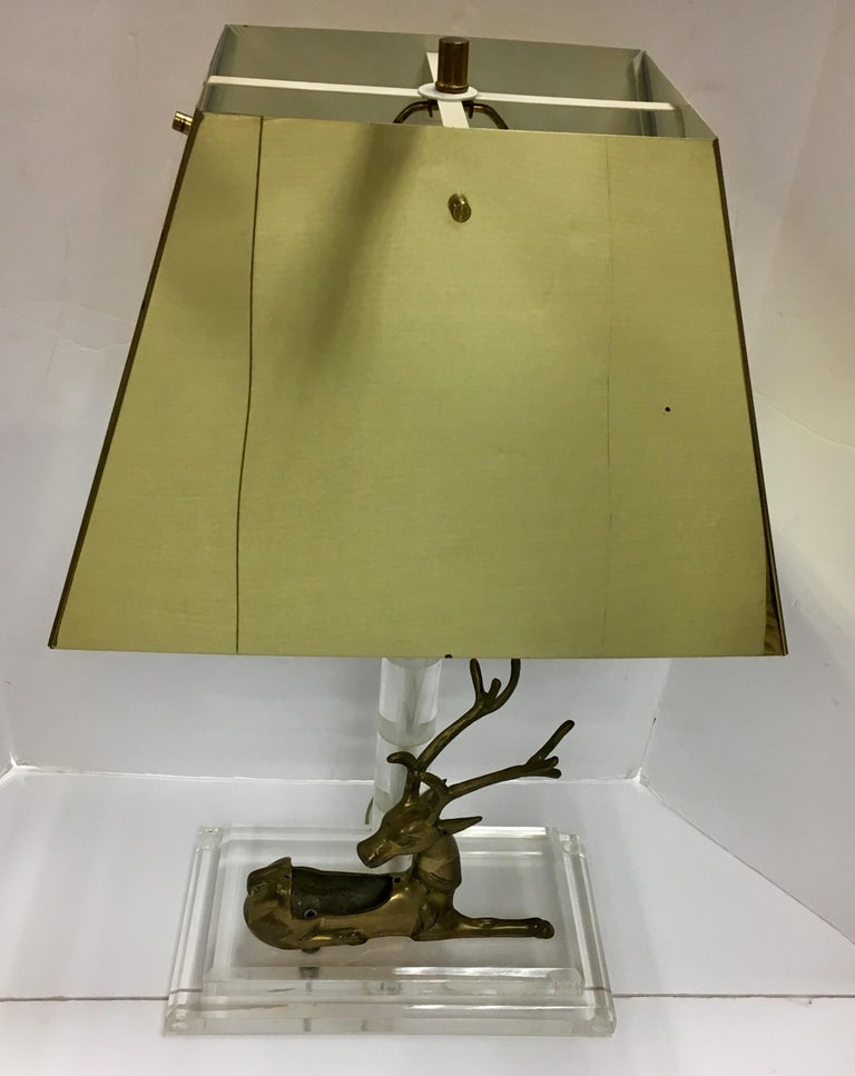 Italian Mid-Century Modern Lucite and Brass Table Lamp with Reindeer Deer Card Holder For Sale