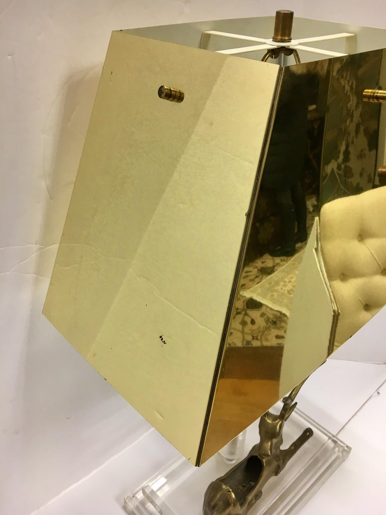 Mid-Century Modern Lucite and Brass Table Lamp with Reindeer Deer Card Holder For Sale 5