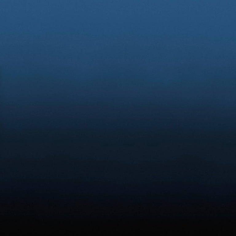 Aurora Well Wallpaper in Black to Dark Blue Gradient