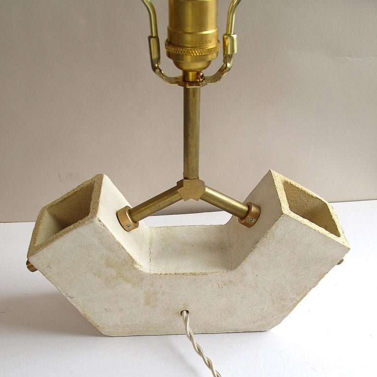 'Conduit Anchor' Brutalist White Ceramic and Brass Table Lamp In New Condition For Sale In Bronx, NY
